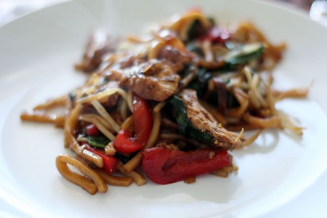 Phenomenal Asian Noodles with Chicken. An easy and healthy delight!