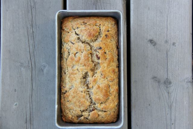 Delicious Banana Bread with Sweet Dates