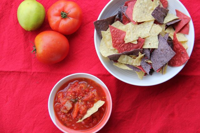 Spicy Mexican Salsa with Corn Tortilla Chips